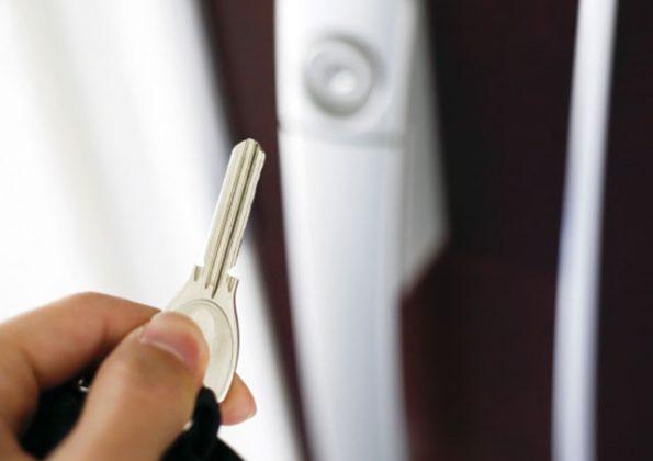 鍵をなくした!家に入れない時にすべきこと4つ!鍵の交換も必要な理由