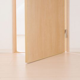 室内ドアに鍵を取り付ける方法!プロに頼む場合の費用も紹介