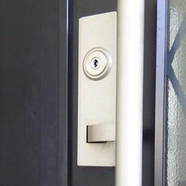 巣鴨玄関ドアの鍵を交換