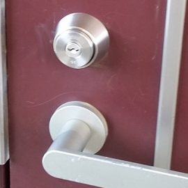 破壊開錠後新しい鍵を取り付け