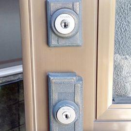 玄関の鍵を紛失!防犯性の高い鍵に交換 国立市青柳