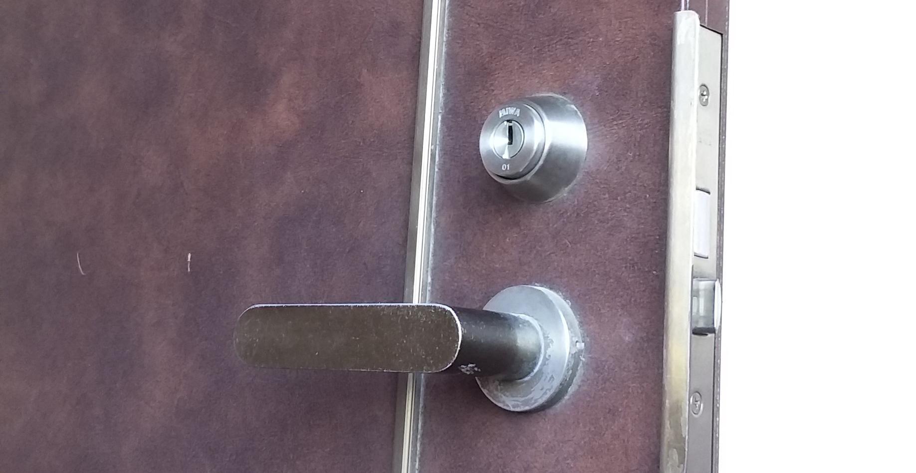 鍵がささらない