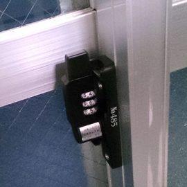 暗証番号式のクレセント錠