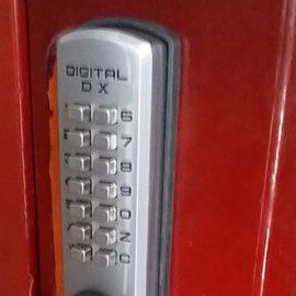 FUKIのデジタルロックを取り付け完了
