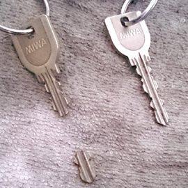 折れたMIWAの鍵