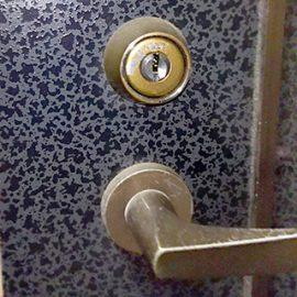 カバのシリンダーを鍵修理