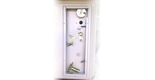 金庫の鍵交換