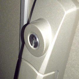 子どもが鍵穴に三角定規を入れてしまった鍵の修理|昭島市昭和町