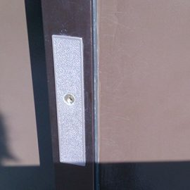 鍵が折れた引き戸の鍵交換|千葉市中央区仁戸名町