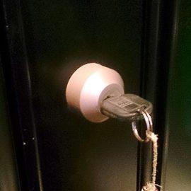 家の鍵が抜けなくなった
