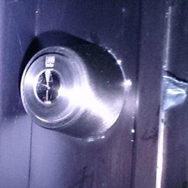 勝手口の鍵交換 WEST916