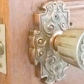 室内扉のドアノブががたつくので交換|新座市大和田
