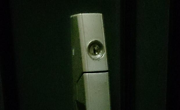 玄関の解錠と交換