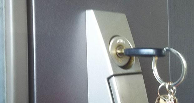 スムーズに動く玄関の鍵