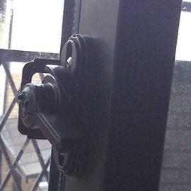 壊れた窓のクレセント錠の修理と交換|堺市北区東浅香山町