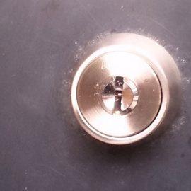 カバスターネオに取り替えた玄関ドア