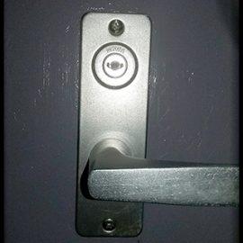家の鍵を紛失して玄関の解錠と防犯の為に鍵交換|青梅市野上町