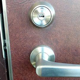 引っ越し先の玄関ドアの鍵交換|青梅市新町
