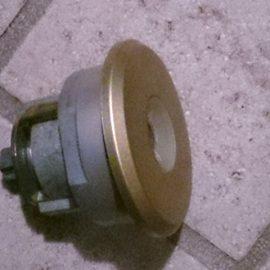 玄関ドアのMIWAの鍵をPSシリンダー錠に交換|多摩市諏訪