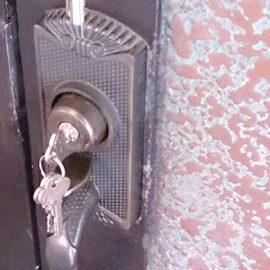 家の鍵を無くして防犯の為に玄関ドアの鍵を交換|守口市大日東町