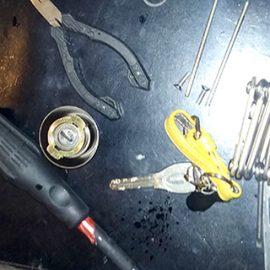 開け閉めしづらい玄関ドアの鍵修理|横浜市瀬谷区三ツ境