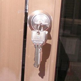 動作不良が起こった玄関ドアの鍵交換|大阪市東住吉区西今川