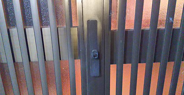 引き違い扉の鍵