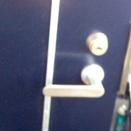 鍵が抜き差ししにくくなった玄関の鍵を修理 堺市西区草部
