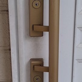 鍵を紛失した玄関ドア