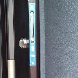 錠ケースを交換した玄関ドア