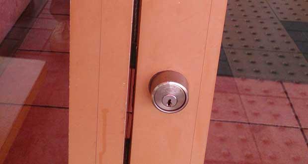 鍵のトラブルが起きた玄関ドアの鍵