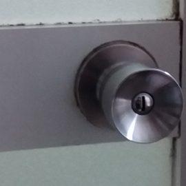 不具合が起きた浴室扉のドアノブ交換|東久留米市前沢