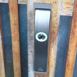 鍵を交換した後の引戸