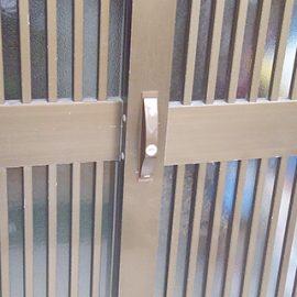 施工後の引き違い扉