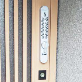 玄関引き戸の鍵