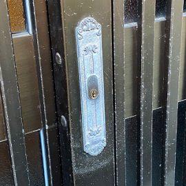 古い引違扉の鍵