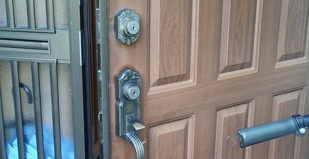 回らなくなってきた玄関の鍵