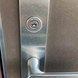 玄関の鍵を防犯性の高いディンプルキーに交換|横浜市港北区仲手原