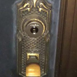 鍵交換後のサムラッチ錠