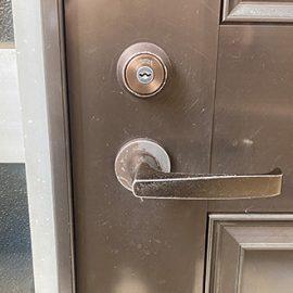 不具合が起きた自宅の玄関の鍵を交換 横浜市栄区小菅ケ谷