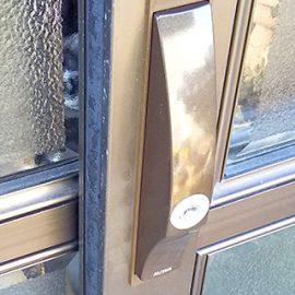 玄関の引き戸の鍵穴が故障してしまい鍵が入らなくなったので鍵交換|大阪市天王寺区大道