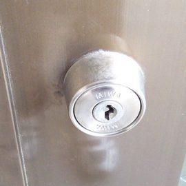 鍵紛失をきっかけに会社の鍵を交換|大阪市中央区南船場