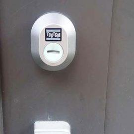 玄関の鍵が上下2つとも回らなくなったため交換|伊丹市西野